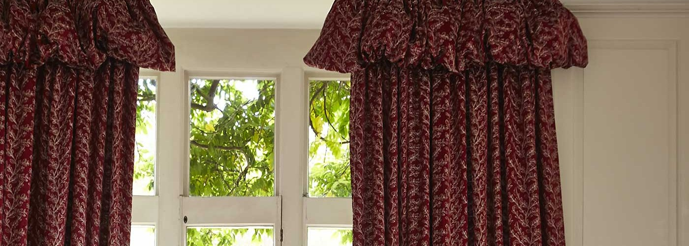 Beautiful curtains Bath